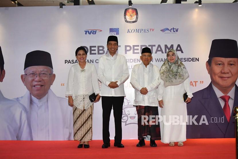 Capres-cawapres nomor urut 01 Joko Widodo-Ma'ruf Amin tiba untuk mengikuti debat pertama Pilpres 2019, di Hotel Bidakara, Jakarta, Kamis (17/1/2019).