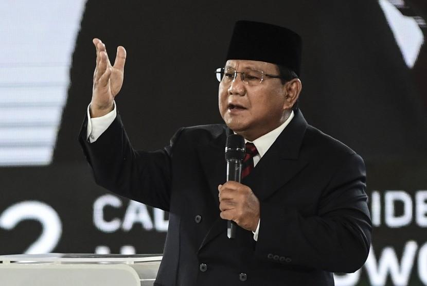 Capres nomor urut 02 Prabowo Subianto mengikuti debat capres putaran keempat di Hotel Shangri La, Jakarta, Sabtu (30/3/2019).