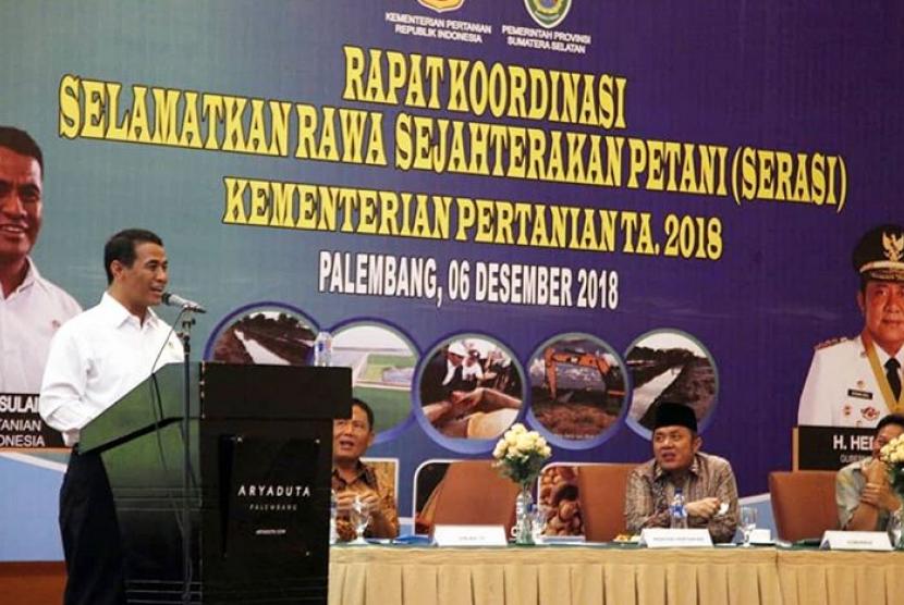 Menteri Pertanian Amran Sulaiman pada Rapat Koordinasi (Rakor) Program Selamatkan Rawa Sejahterakan Petani (Serasi) Kementerian Pertanian Tahun Anggaran 2018, Kamis (6/12) di Palembang.