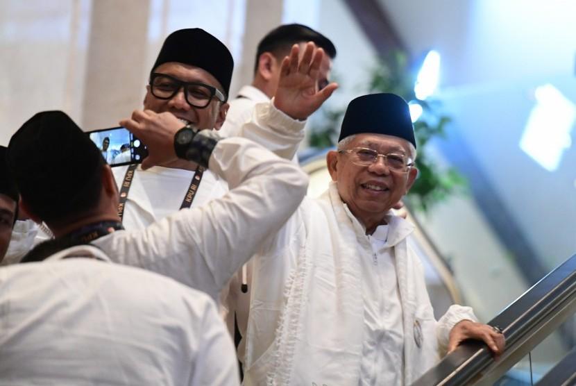 Cawapres nomor urut 01 Ma'ruf Amin menghadiri debat capres putaran keempat di Hotel Shangri La, Jakarta, Sabtu (30/3/2019).