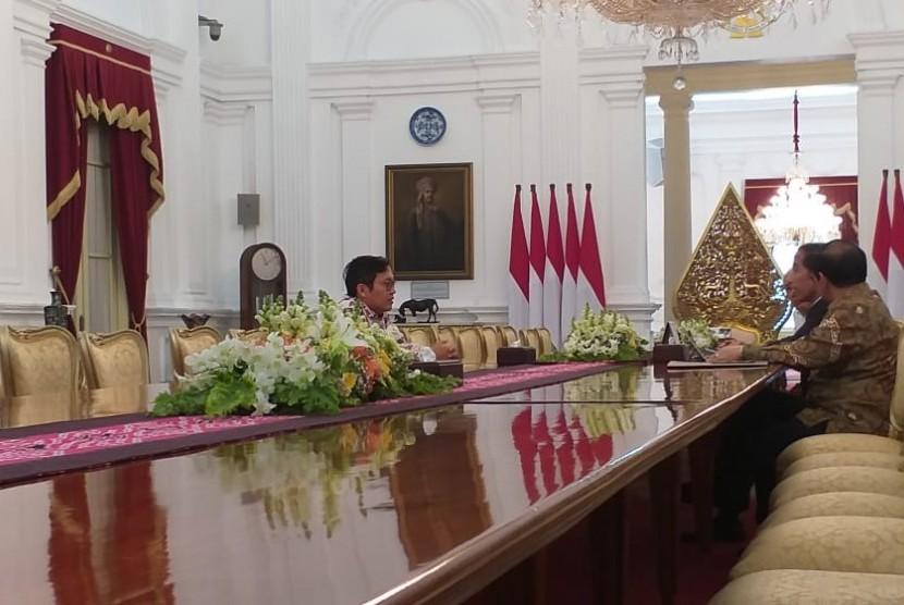 CEO Bukalapak Achmad Zaky menghadap Presiden Jokowi, Sabtu (16/2).