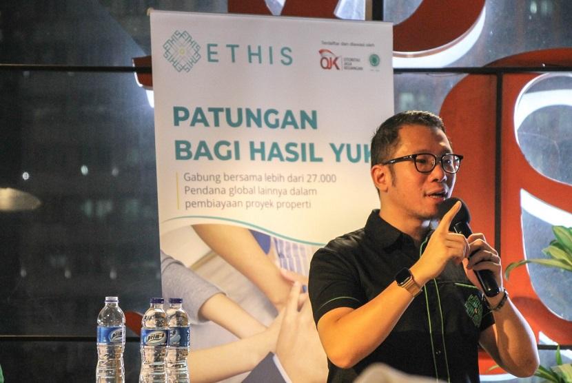 CEO Ethis Crowd Ronald Yusuf Wijaya. Ronald menyebut, industri peer to peer lending syariah bisa tumbuh signifikan pada 2021.