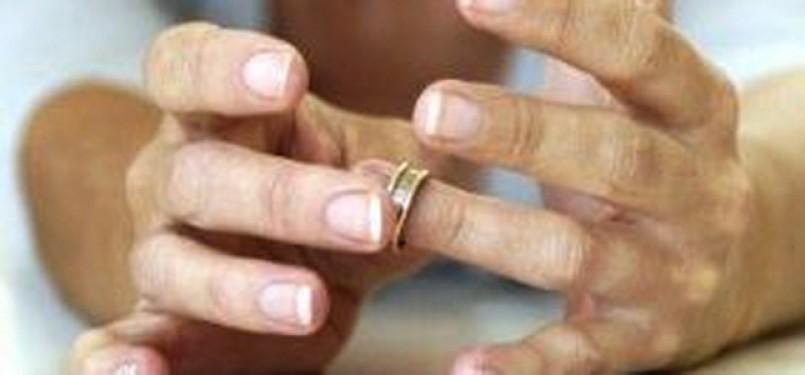 Suami Tidak Bertanggung Jawab Bolehkah Minta Cerai