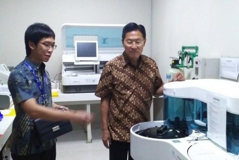 Chairman Lippo Grup James Riady meninjau Siloam Hospital Kupang, Kamis (12/7)