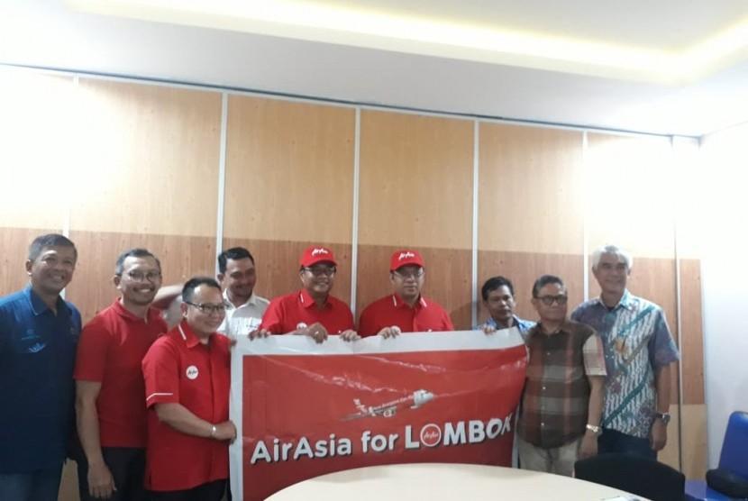 Chief Executive Officer (CEO) AirAsia Indonesia Dendy Kurniawan bertemu Gubernur NTB Zulkieflimansyah membicarakan rencana AirAsia menjadikan Lombok sebagai hub dan pembukaan sejumlah rute baru di KEK Mandalika, Lombok Tengah, NTB, Kamis (17/1).