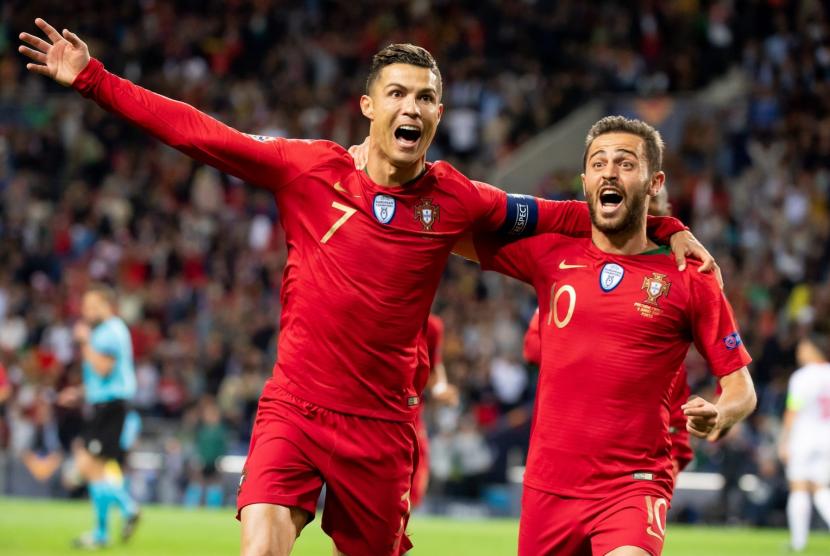 Christiano Ronaldo merayakan gol saat melawan Swiss, Kamis )6/6).