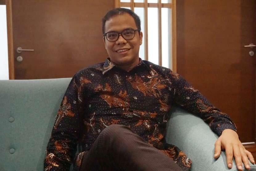 Co Founder & Chief Executive Officer Fintech  Akseleran Ivan Nikolas Tambunan menjelaskan kinerja perusahaan kepada Republika, Jumat, (3/8).