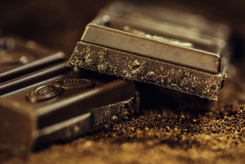 Cokelat hitam