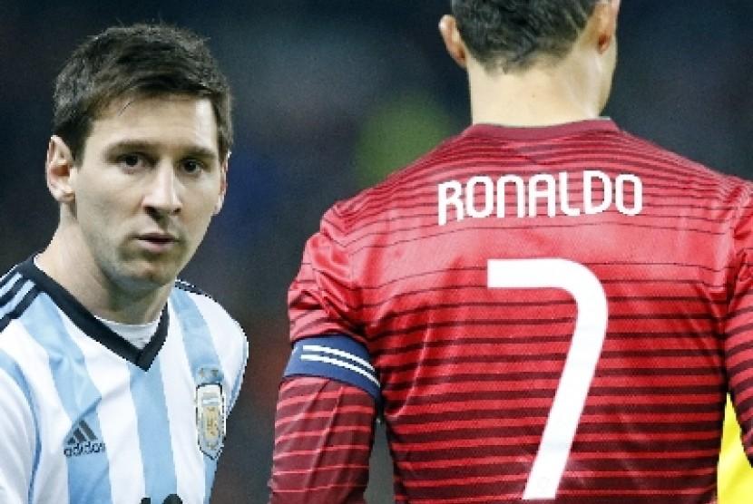 Cristiano Ronaldo (kanan) dan Lionel Messi