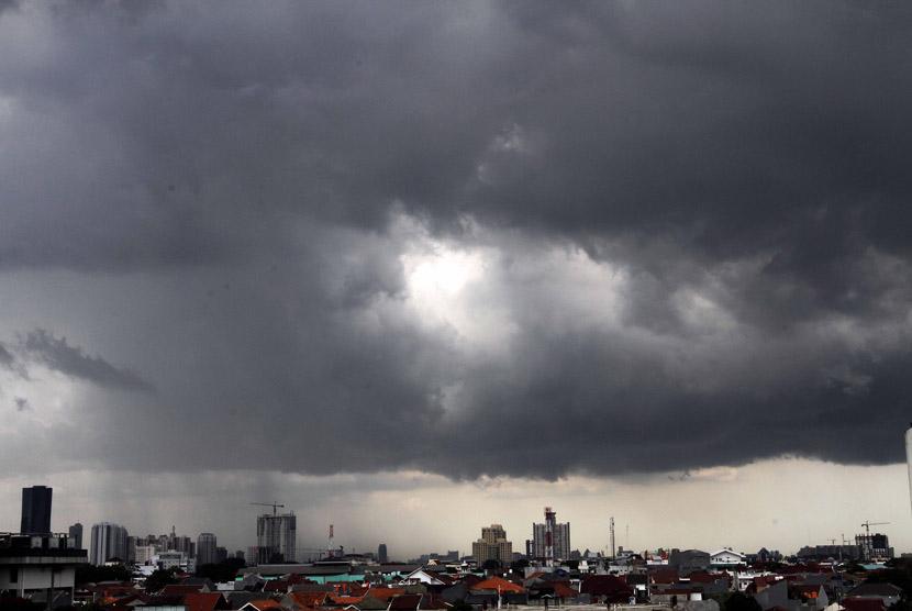 Cuaca buruk.     (ilustrasi)