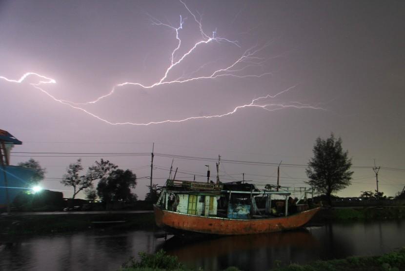 Cuaca buruk (ilustrasi)