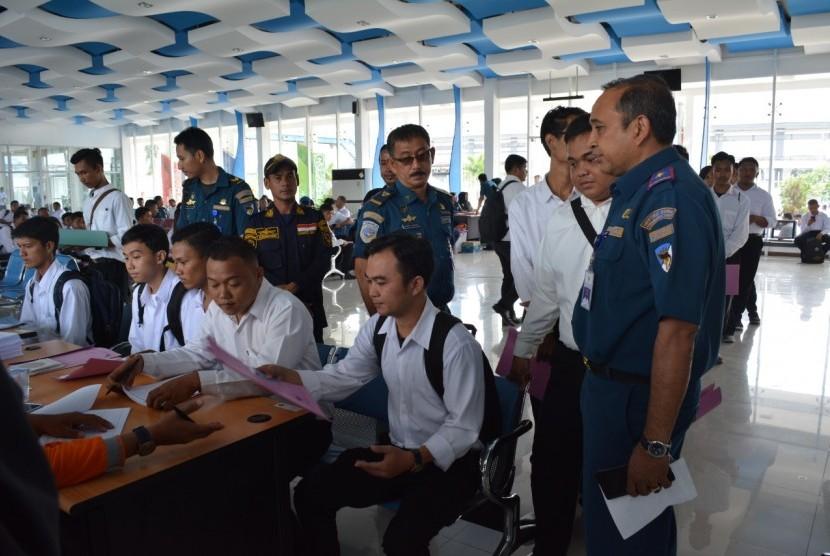 Dalam dua minggu pendaftaran, sebanyak 1.500 orang telah mendaftat sebagai peserta Diklat Pemberdayaan Masyarakat (DPM) untuk keterampilan pelaut. Diklat diselenggarakan oleh Kantor Kesyahbandaran Utama Belawan bekerjasama dengan Balai Pendidikan Dan Pelatihan Ilmu Pelayaran (BP2IP) Malahayati.