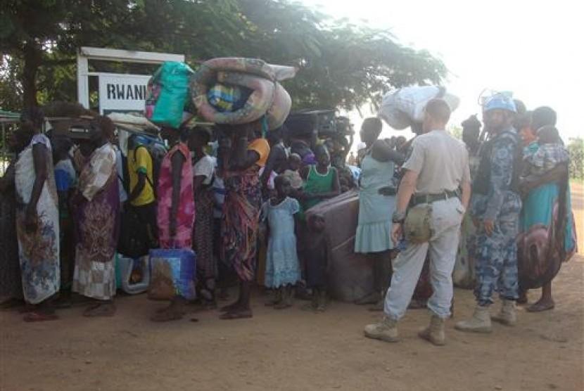 Dalam foto, tampak warga Sudan Selatan mengungsi di kamp PBB di Juba.
