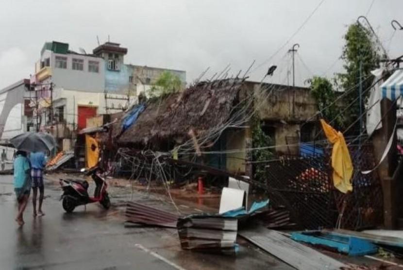 Dampak Topan Gaja yang melanda  Tamil Nadu, India