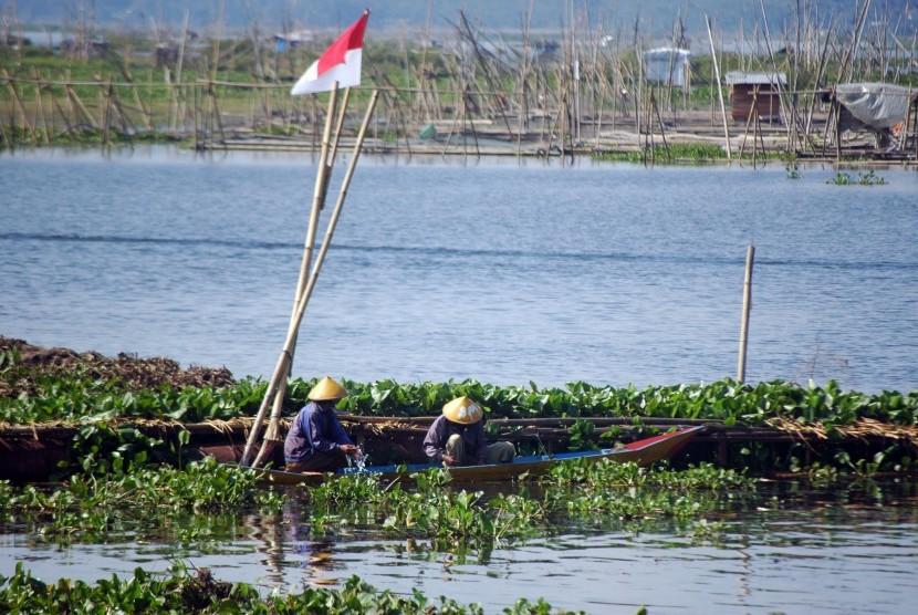 Danau alam Rawapening.