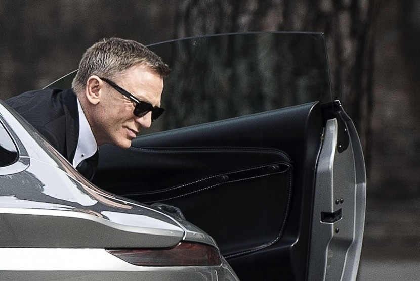 Daniel Craig pemeran film James Bond.