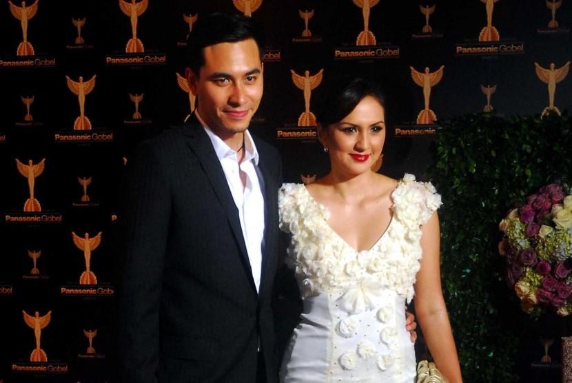Darius Sinathrya dan Donna Agnesia.