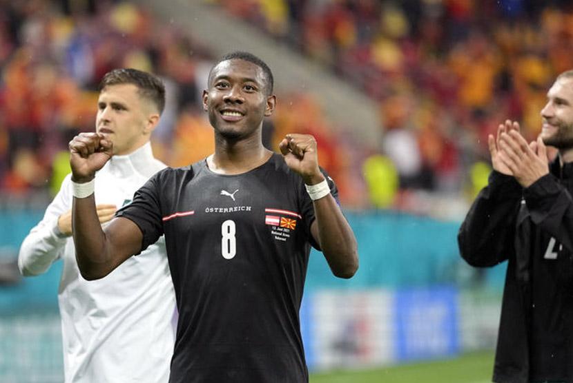 David Alaba merayakan gol kedua Austria ke gawang Makedonia Utara.