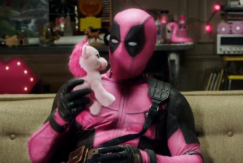 Deadpool pink dukung kanker.