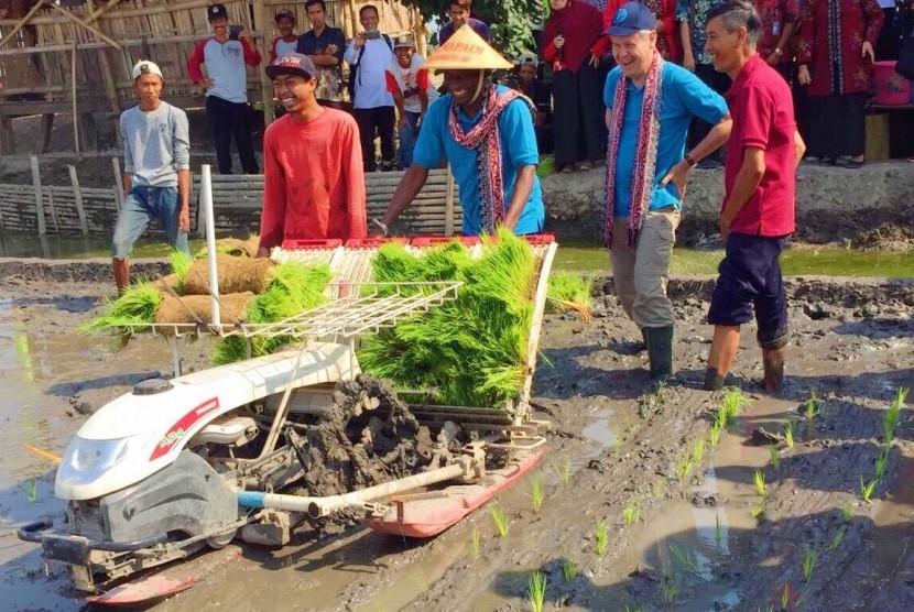 Delegasi FAO melakukan kunjungan ke sejumlah wilayah untuk mempelajari sistem pertanian Indonesia