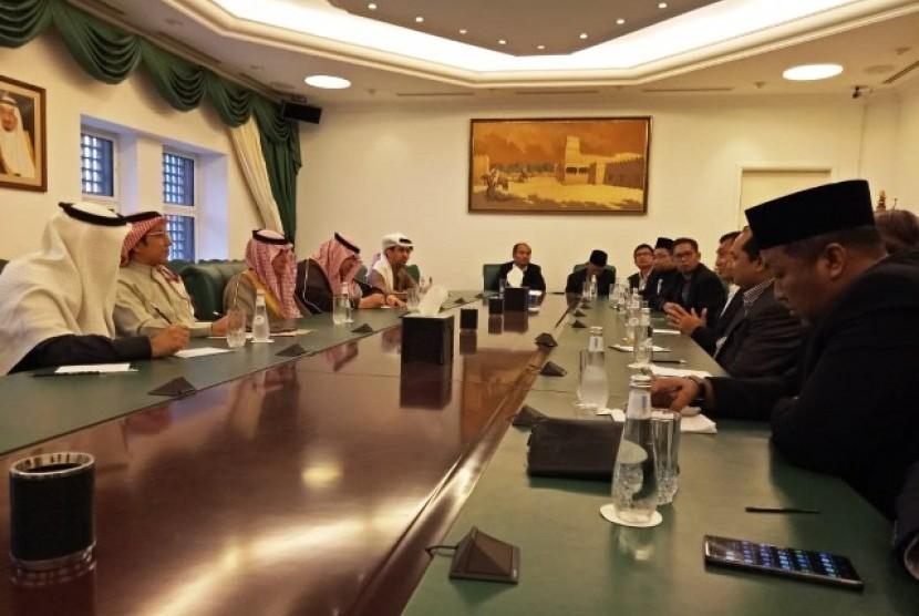 Delegasi Indonesia untuk Festival Janadriyah diterima Menteri Luar Negeri Saudi Adel Al-Jubeir