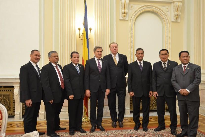 Delegasi Parlemen RI dan Parlemen Romania usai melakukan pembicaraan di Gedung Parlemen Romania