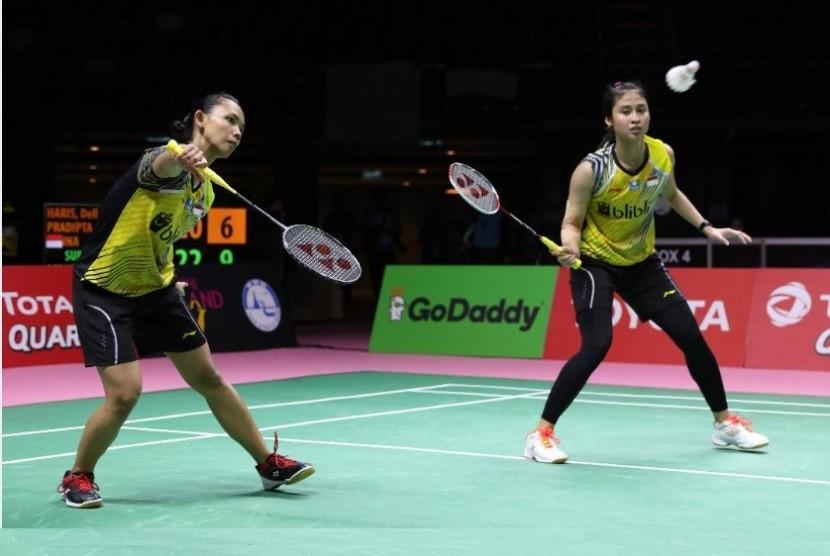 Della Destiara Haris (kiri) dan Rizki Amelia Pradipta.