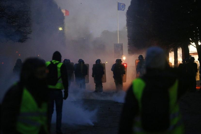Demonstran rompi kuning Prancis.