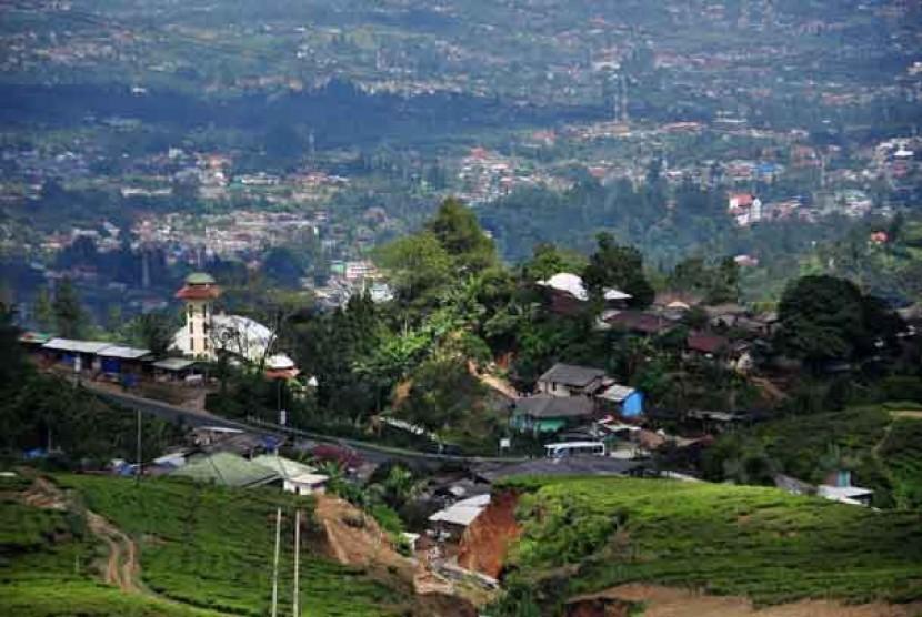 Deretan villa di kawasan Puncak, Bogor, Jawa Barat.