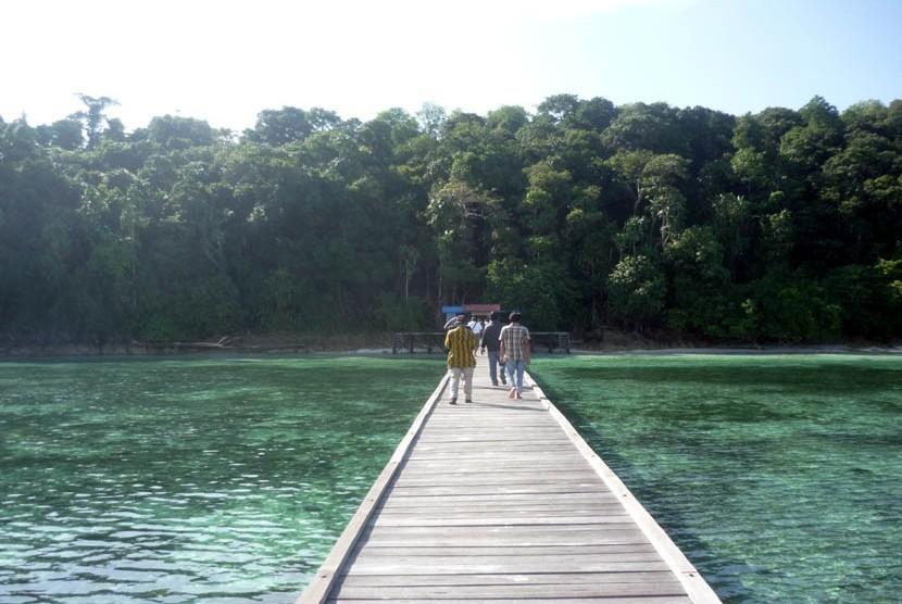 Maratua, Pulau Cantik Terluar yang Belum Banyak Dijamah ...