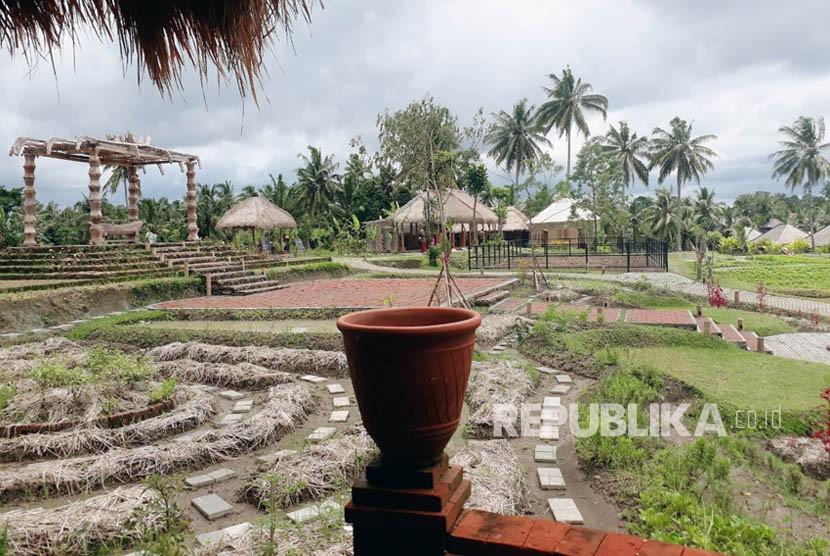 Desa Visesa atau Visesa Resort Hotel dan Villa merupakan destinasi wisata yang sedang hits di Ubud, Bali. Desa wisata ini mengintegrasikan kehidupan alam dan budaya lokal ke dalam pengalaman berwisata.