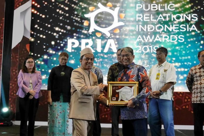 Dewan Perwakilan Daerah (DPD) RI menerima penghargaan Public Relations Indonesia Award (PRIA) 2019 kategori Lembaga Terpopuler di Media Tahun 2018.