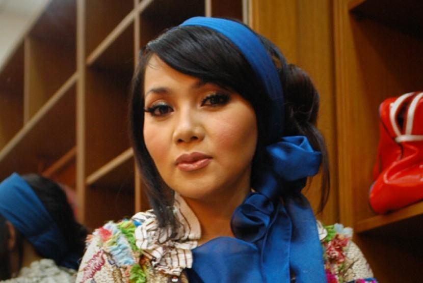 Dewi Gita.(Foto:Panca / Republika)