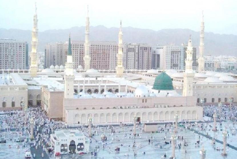 Di bulan Ramadhan 2018 atap Masjid Nabawi akan dipakai sebagai tempat Itikaf.