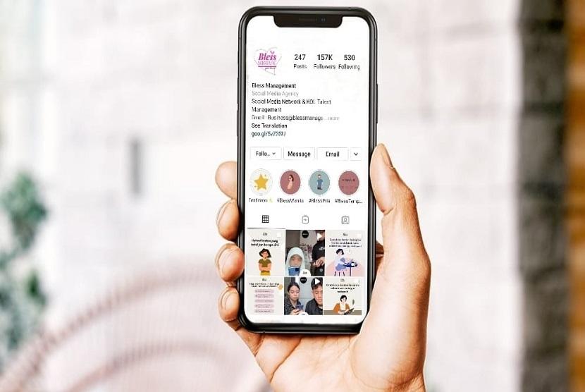 Di era yang serba digital sekarang ini, pemasaran digital (digital marketing) menjadi metode baru yang sangat berperan penting dalam memasarkan suatu bisnis, terutama bisnis seperti online shop.
