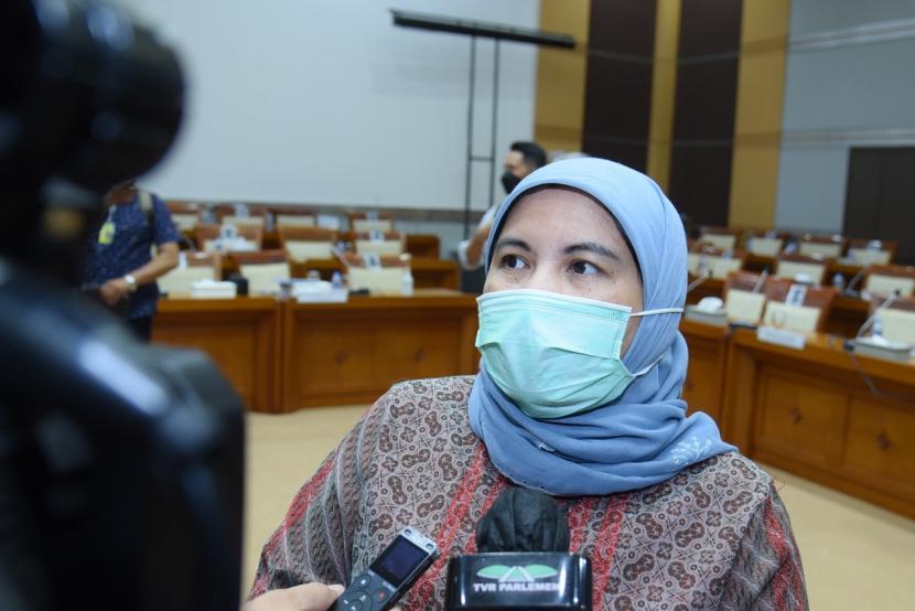 Wakil Ketua Komisi VIII DPR RI Diah Pitaloka meminta antarkementerian berkoordinasi dan menerapkan pola komunikasi yang solutif dalam penanganan Covid-19.  (ilustrasi)
