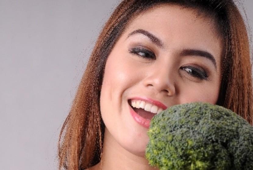 Diet harus dilakukan secara seimbang agar tubuh tidak kekurangan gizi dan tetap sehat.