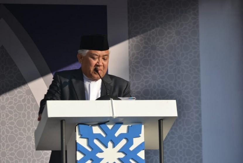Din Syamsuddin saat menjadi Khatib salat Idulfitri di Masjid Agung Al-Azhar, Jakarta, Rabu (5/6).