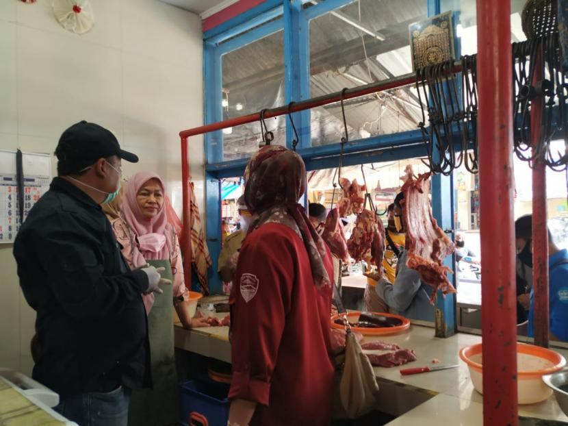 Dinas Ketahanan Pangan, Pertanian, dan Perikanan, Kota Tasikmalaya memastikan, ketersediaan daging sapi potong aman hingga Lebaran. Hingga saat ini, stok sapi yang ada masih dapat memenuhi kebutuhan warga Kota Tasikmalaya.