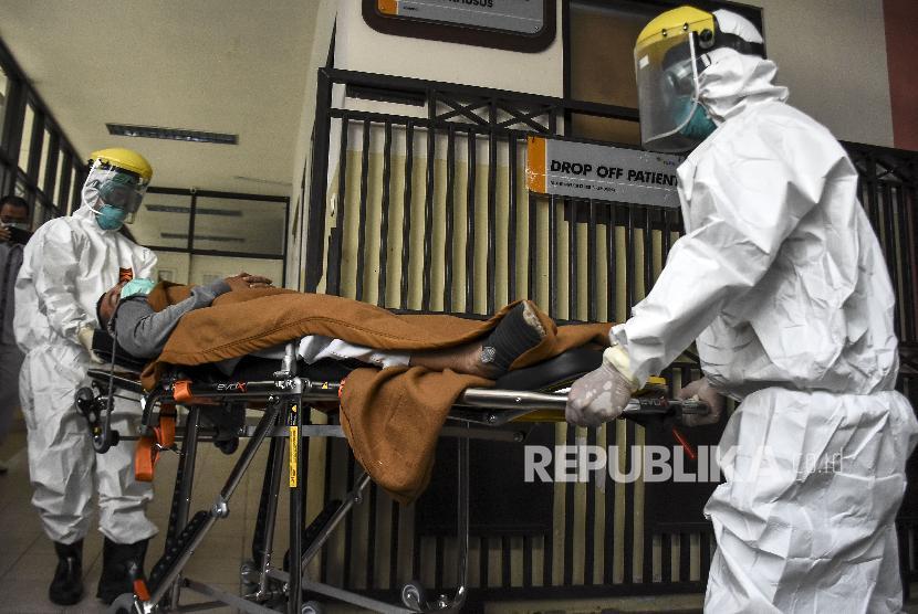 Komisi IX Dewan Perwakilan Rakyat (DPR) mendukung Kementerian Kesehatan (Kemenkes) segera membuat standar mengenai biaya pelayanan kesehatan pasien yang terinfeksi virus corona . Foto pasien corona, (ilustrasi).