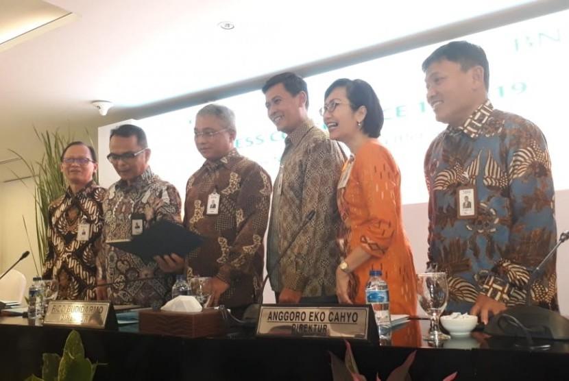 Direksi PT Bank Negara Indonesia (Persero) memaparkan kinerja Semester I 2019 di Grha BNI, Jakarta Pusat, Selasa (23/7).