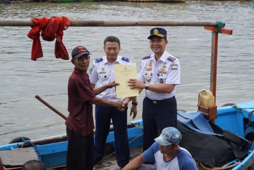 Direktorat Jenderal Perhubungan Laut kembali menggelar Gerai Pelayanan Pas Kecil yang diinisiasi oleh Kantor Kesyahbandaran Utama (KSU) Tanjung Priok di Pesisir DKI Jakarta.