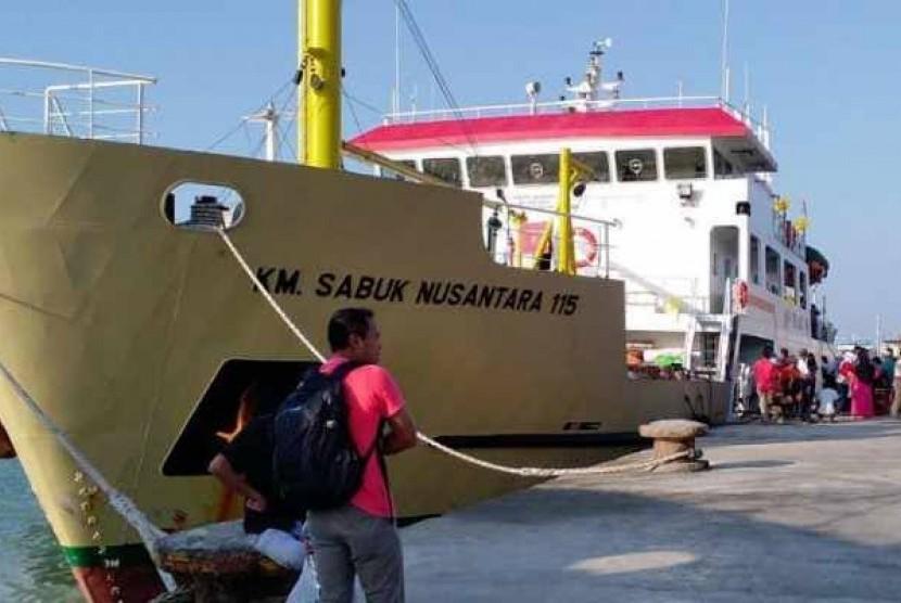 Direktorat Jenderal Perhubungan Laut memastikan penyelenggaraan angkutan laut Lebaran 2019 (1440 H) di wilayah Jawa Timur akan didukung juga oleh armada kapal perintis di samping kapal-kapal penumpang lainnya yang juga menjadi bagian dari armada kapal angkutan laut Lebaran 2019.