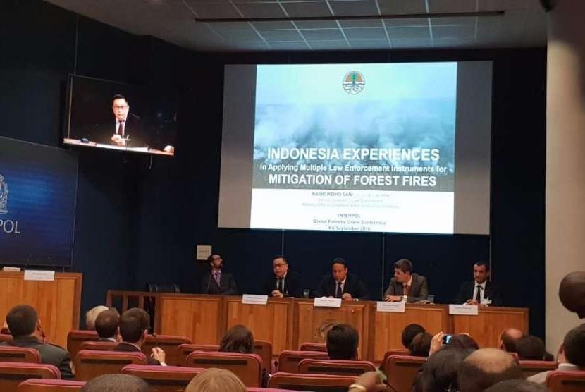 """Direktur Jenderal (Dirjen) Penegakan Hukum Kementerian LHK Rasio Ridho Menjadi pembicara pada """"Interpol: Global Forestry Crime Conference""""// di Lyon, Perancis yang berlangsung 4 – 6 September 2018."""