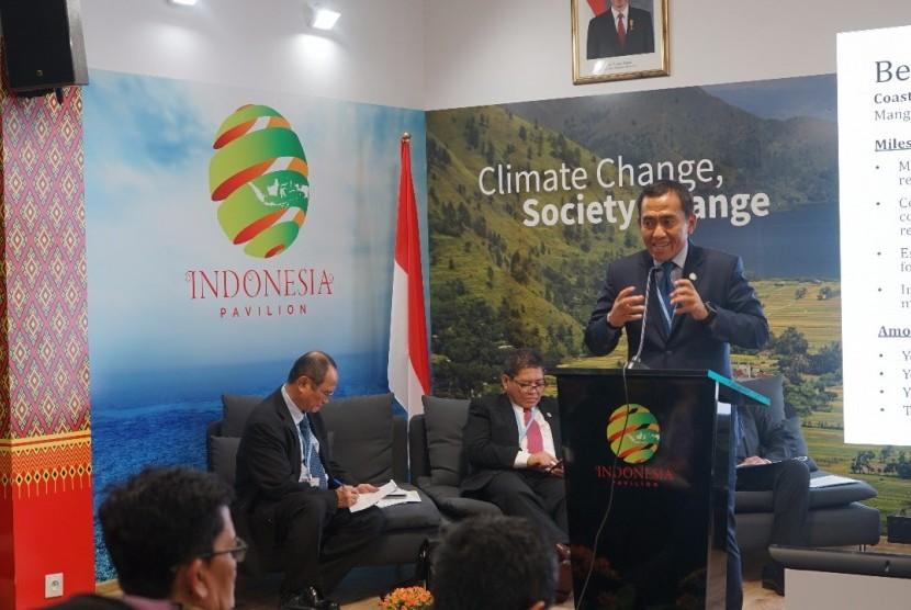 Direktur Jenderal Pengelolaan Ruang Laut Brahmantya Satyamurti Poerwadi di sela-sela perhelatan akbar Konferensi pengendalian perubahan iklim pada pertemuan tahunan negara United Nations Framework Convention on Climate Change (UNFCCC) ke-24 di Katowice, Polandia.