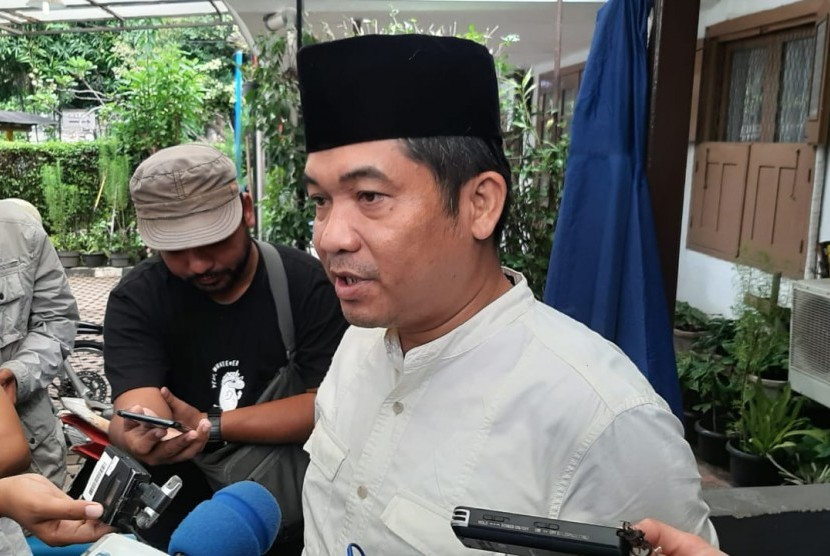 Direktur Lingkar Madani Indonesia Ray Rangkuti