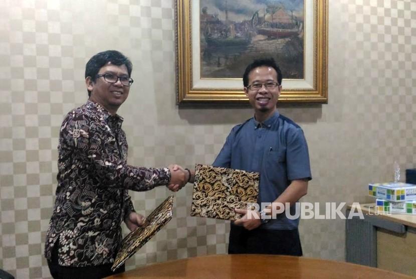 Republika.co.id dan Dompet Dhuafa Sekolah Ekselensia menjalin kerja sama pemberitaan program Sekolah Literasi Indonesia.