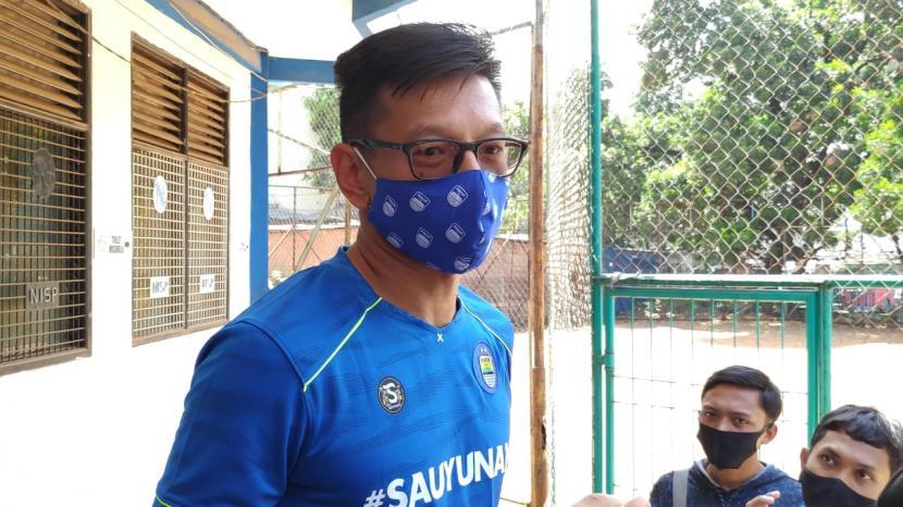 Direktur PT Persib Bandung Bermartabat, Teddy Tjahyono di Lapangan Lodaya, Kota Bandung, Selasa (1/9).