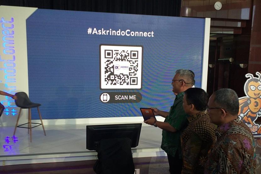 Direktur Utama Askrindo Andrianto Wahyu Adi menjelaskan New Corporate Portal Askrindo di Graha Askrindo, Jakarta, Rabu (21/8).