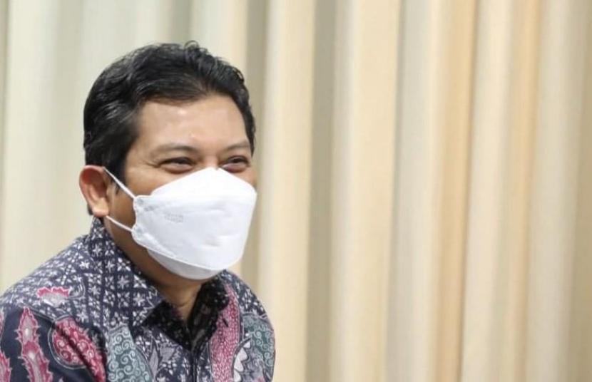 Direktur Utama BPJS Kesehatan, Ali Ghufron Mukti masuk dalam daftar Indonesia Best CEO Awards 2021 – Employees' Choice in Health Social Insurance Category yang diselenggarakan oleh Iconomics. Penghargaan tersebut diberikan kepada sejumlah pemimpin perusahaan yang dinilai berhasil membawa perusahaan survive di tengah pandemi Covid-19.